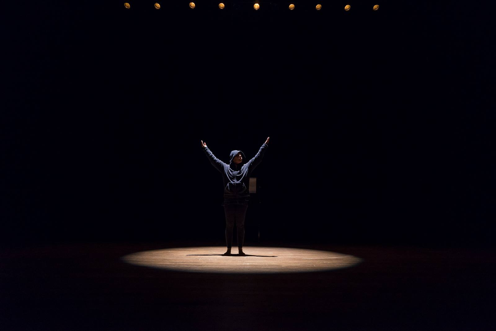 La persistencia de los pequeños detalles en la danza contemporánea uruguaya